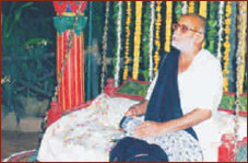 Shree Morarji Bapu at Rajwadu